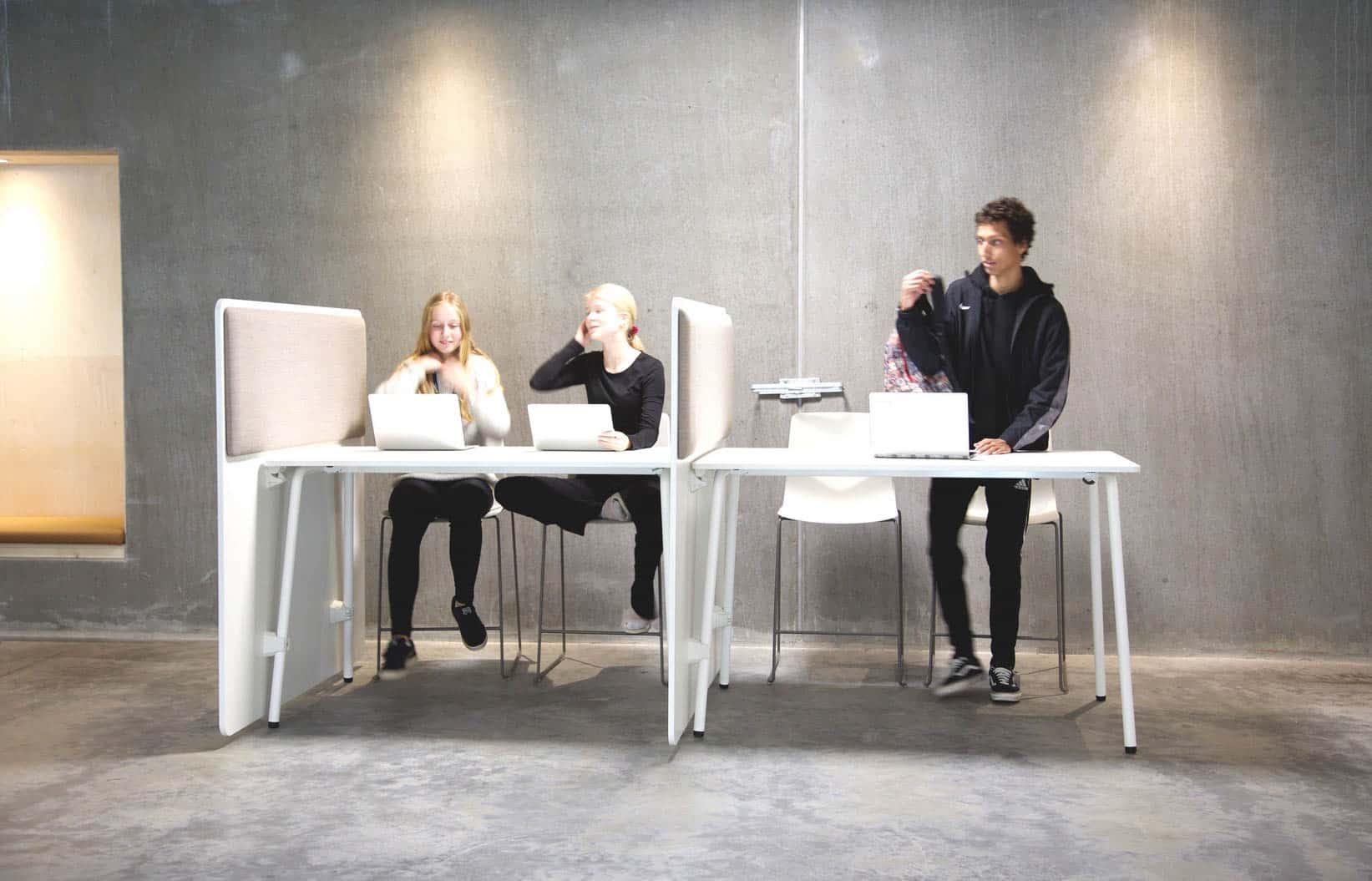 FOURDESIGN FOUR REAL 90 est une série de table multifonctionnel