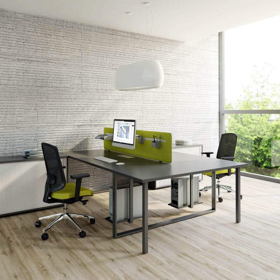 MDD OGI Q table conviviale en bout de bureau