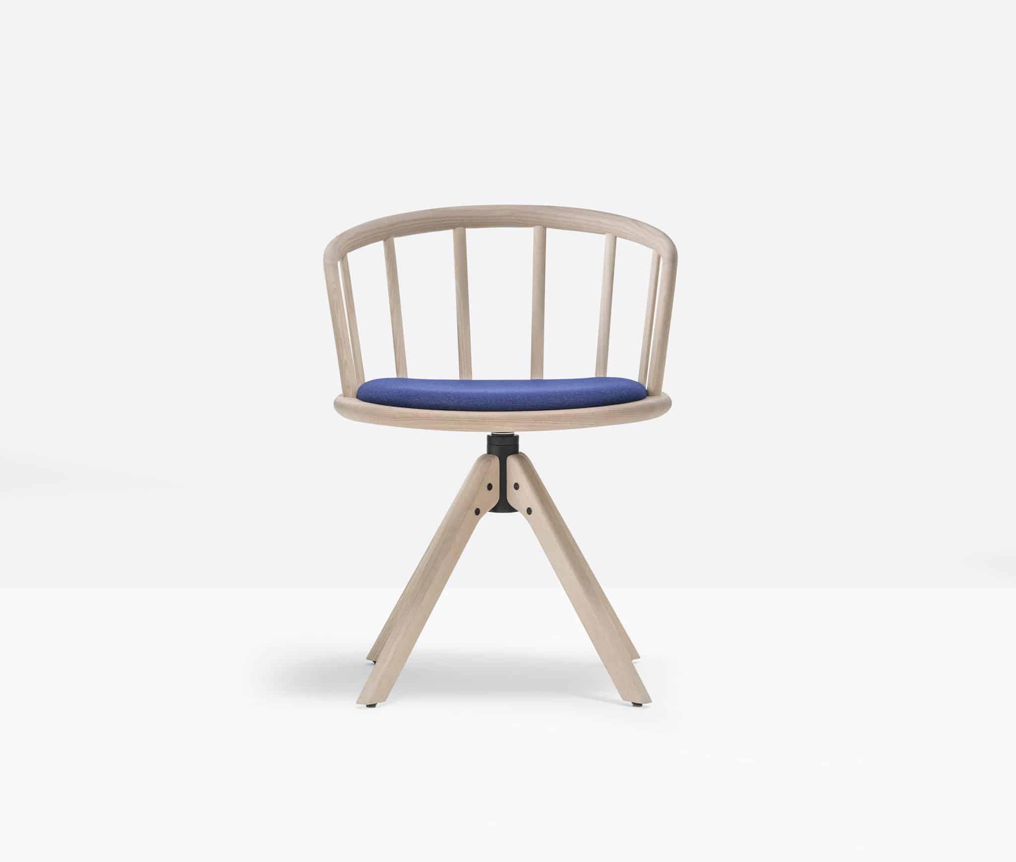 PEDRALI NYM 2846 chaise bois assise tissu pivotante