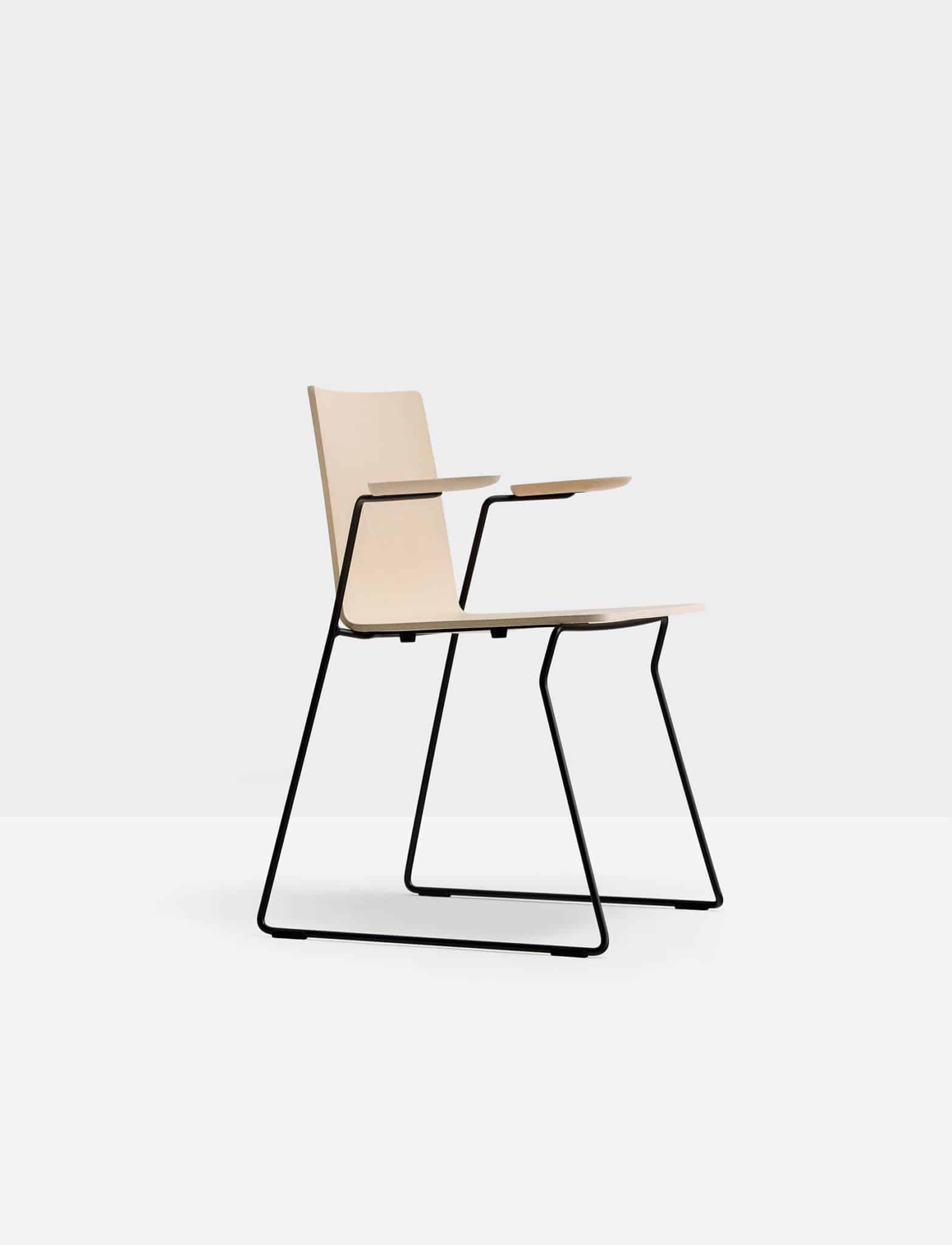 PEDRALI OSAKA 5715 chaise bois avec accoudoirs piétement métal