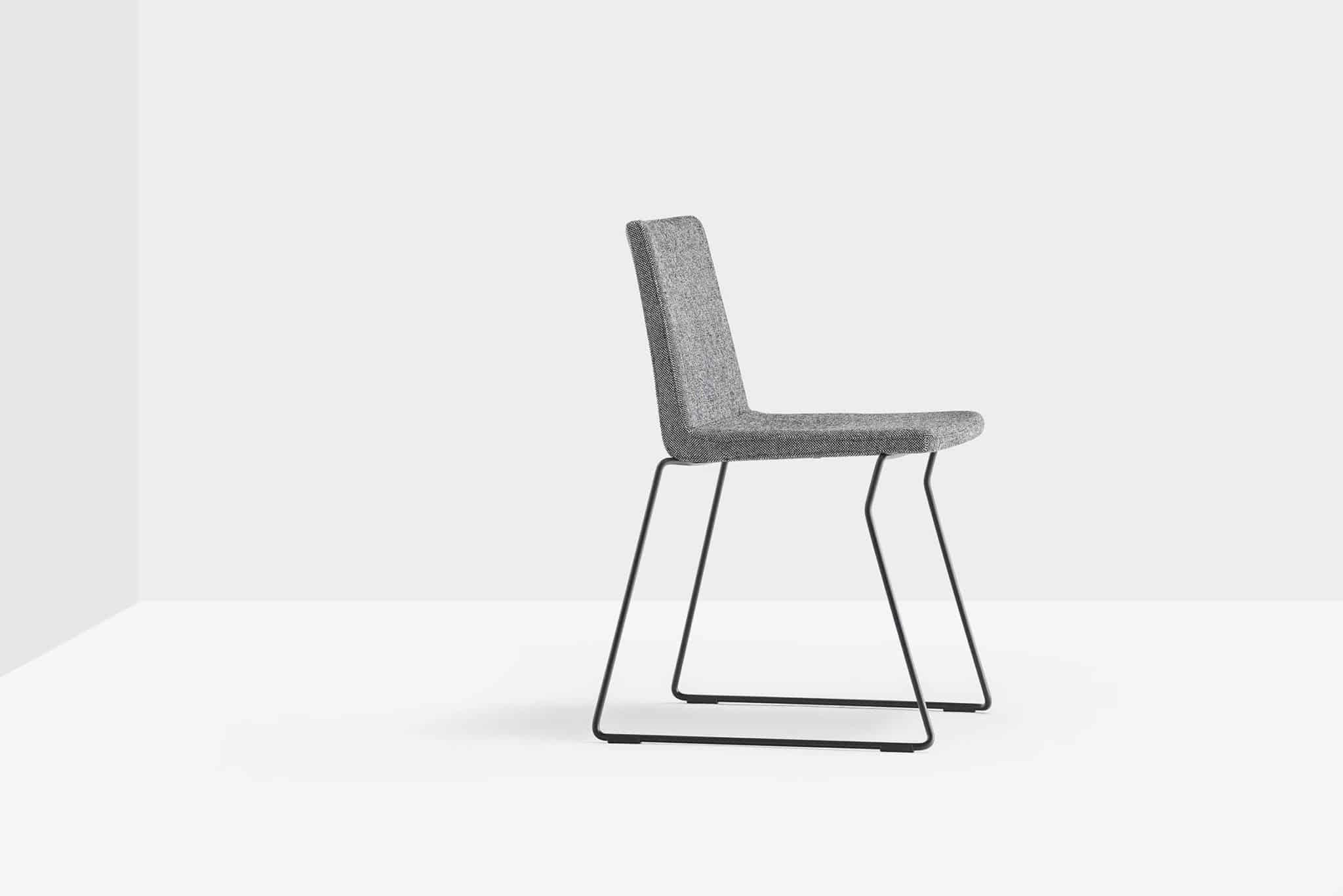 PEDRALI OSAKA 5724 chaise recouverte de tissu