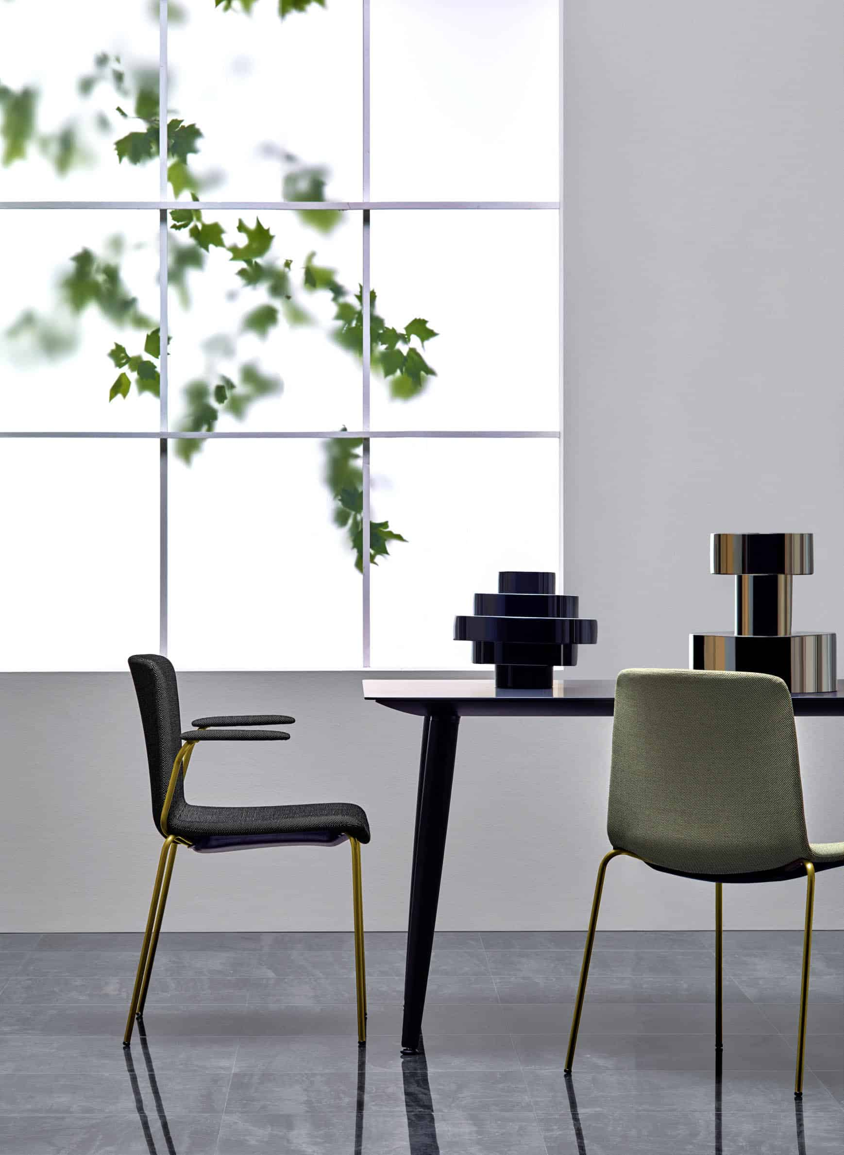 PEDRALI BABILA table restauration et chaise TWEET