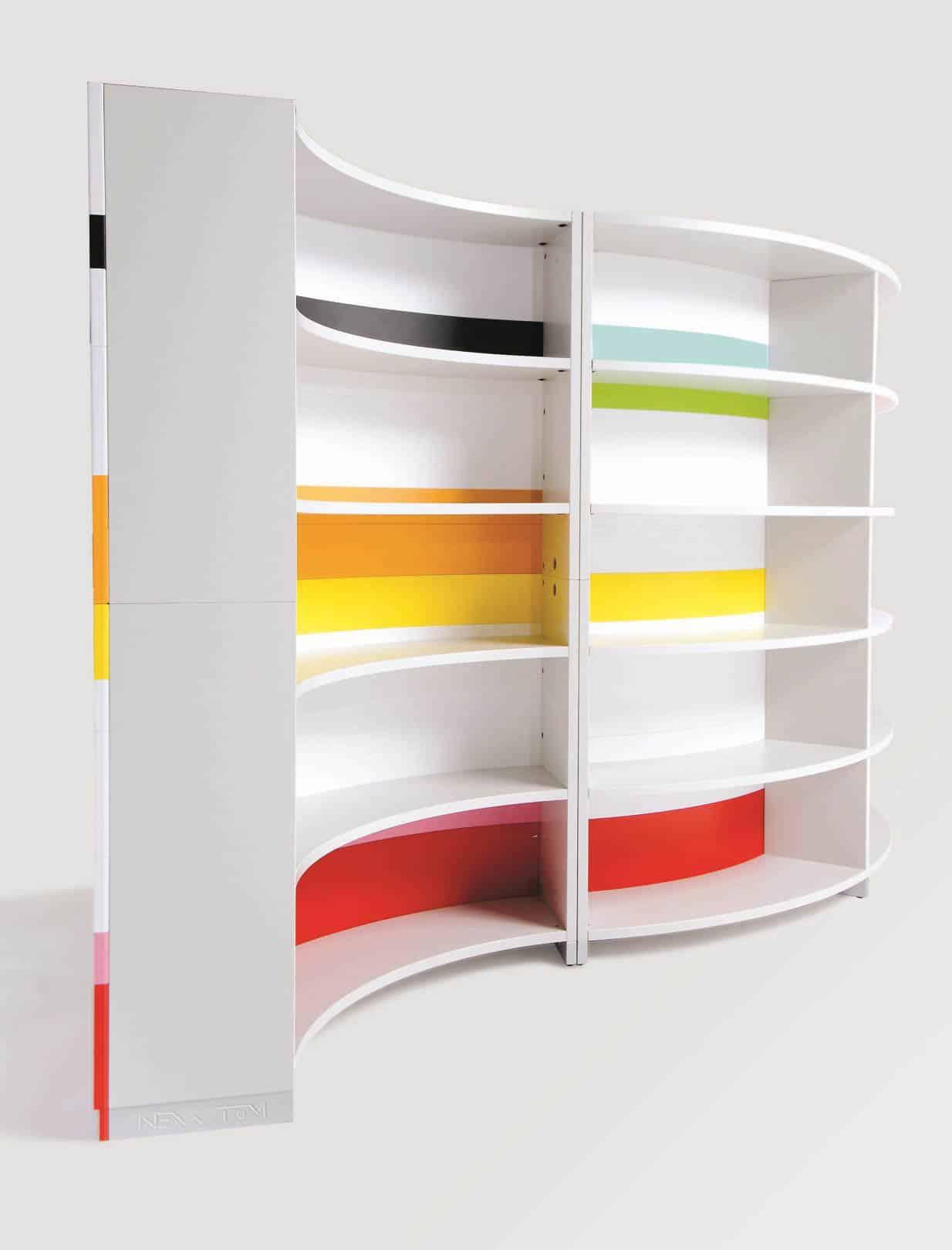 ULTOM TWIST étagère en différentes couleurs.