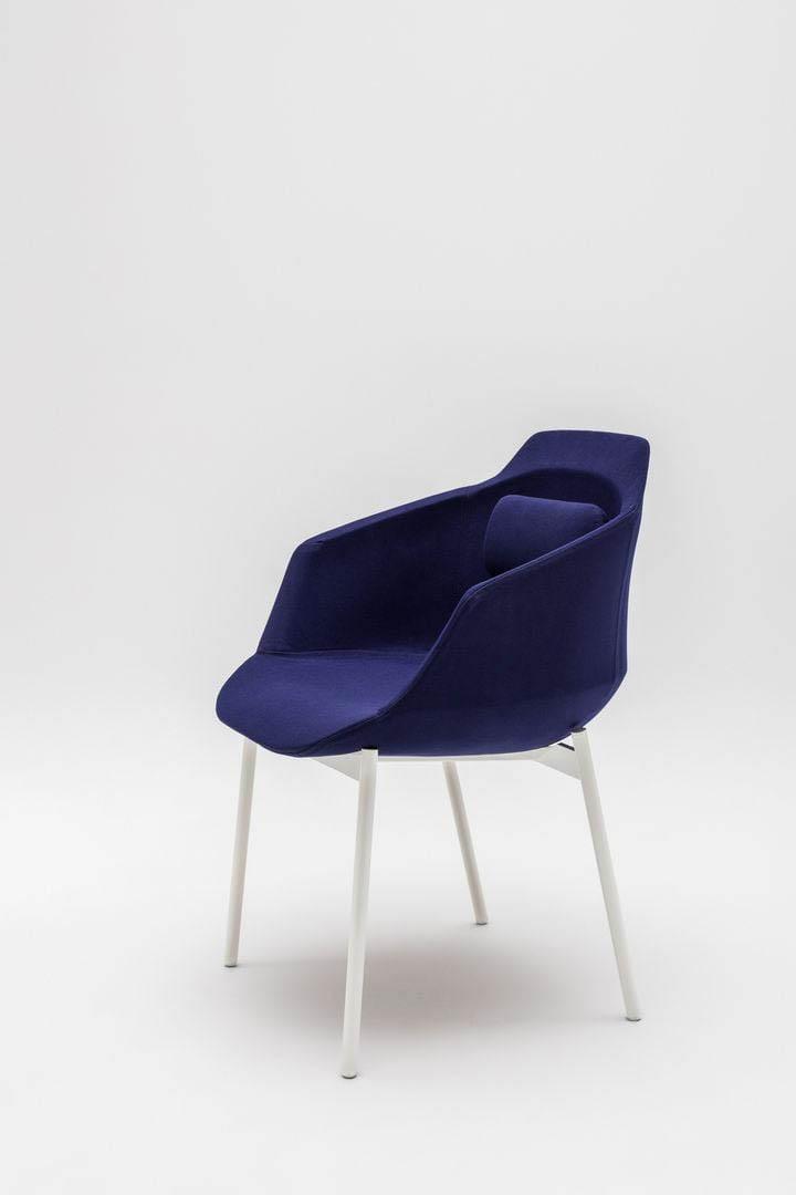 MDD ULTRA F  chaise d'accueil 4 pieds en tissu de forme arrondie