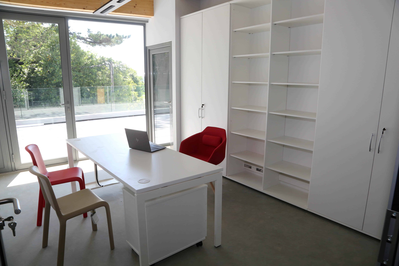 mdd_bibliotheque_sur_mesure_bureau_ogi_U.jpg