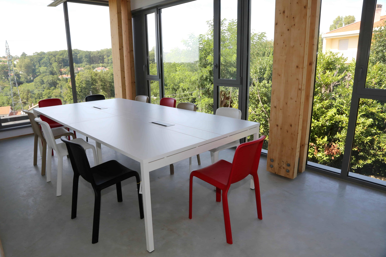 mdd_table réunion_bench.jpg